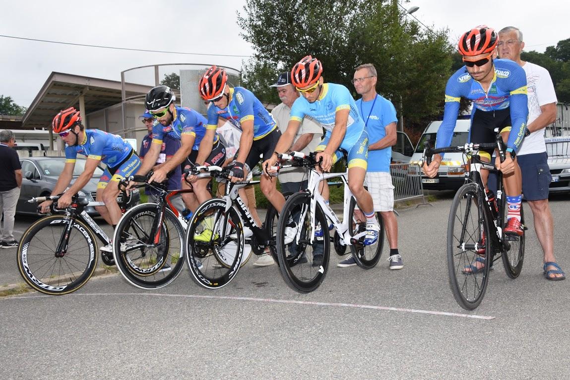 Le 05/08/2018  TOUR DES LANDES (40) - ETAPE 2 A 1-2-3-J-PC OPEN  L'équipe Jira-Bira Groupo Eulen vainqueur du contre la montre du Tour des Landes.  EM1 TCC/AC4B termine2 ème ,Lucien Capot garde le maillot jaune.