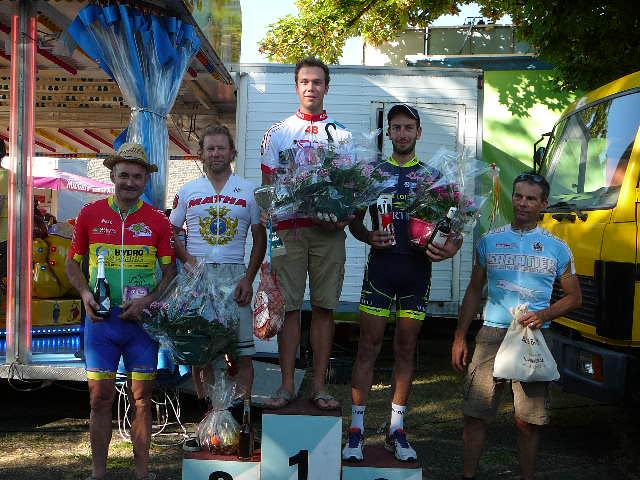 Le 14/08/2016   AUNAC (16)  Victoire de Quentin Marcadier (AC4B) en 3 ème cat