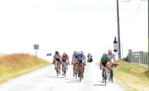 tour-du-bourgeais-2012-etape-en-ligne-091-1.jpg