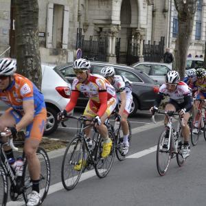 la course d'attente de Bordeaux Saintes et Bordeaux-saintes