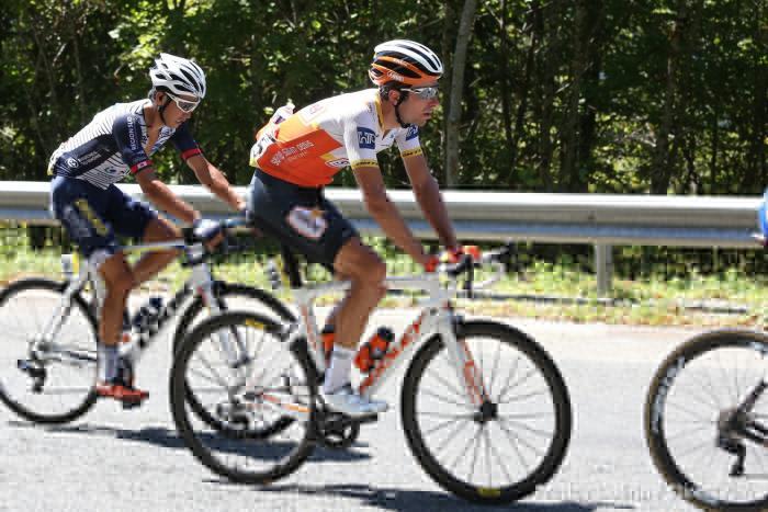 Yoann Paillot et les rouleurs du Team Ineos