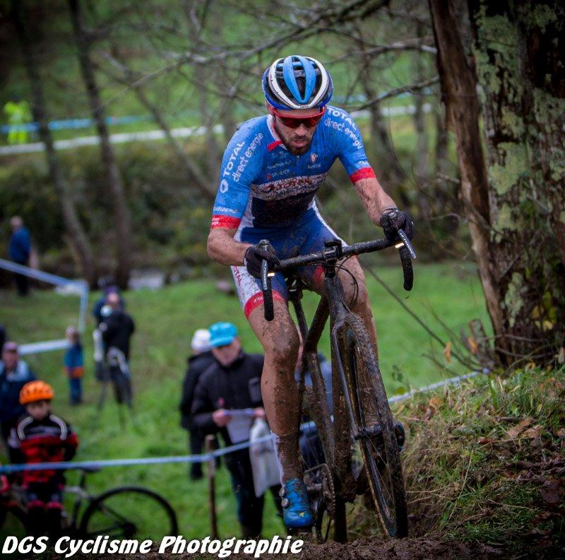 Le 22/12/2019   42ème cyclo-cross de Montbron Eymouthiers (16)   Lilian Calmejane (Total Direct Energie) a remporté ce dimanche le cyclo-cross de Montbron-Eymouthiers (16).  22 ème Alexandre Debeau AC4B